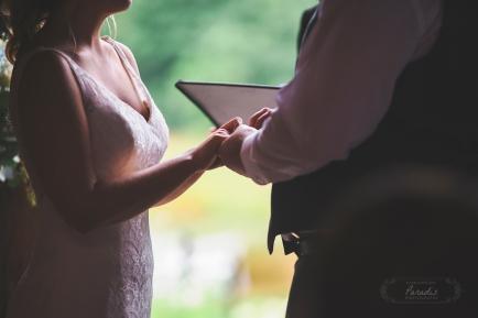 paradis photography maine wedding photographer ceremony hands