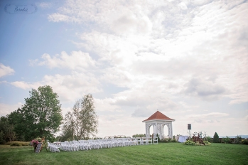 paradis photography maine wedding photographer maine wedding barn ceremony