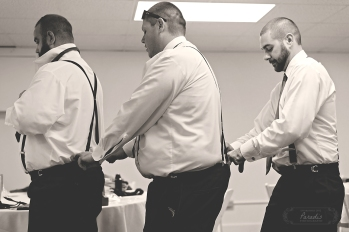 groomsmen getting ready | Paradis Photography #MaineWeddingPhotographer