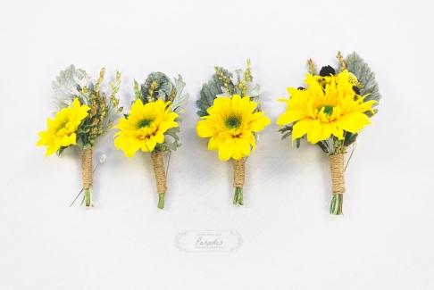 boutonnieres | Paradis Photography #MaineWeddingPhotographer