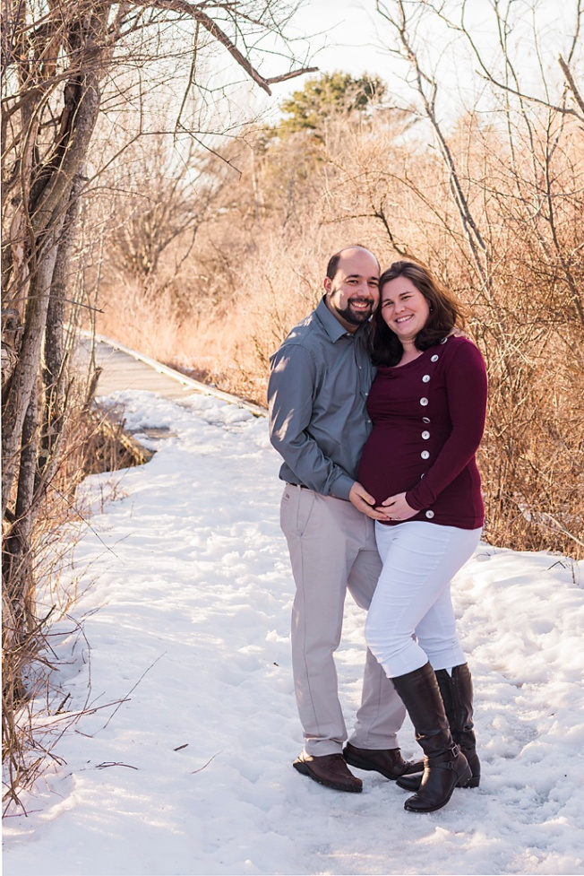 natural maternity winter photography maine pregnancy Paradis Photography