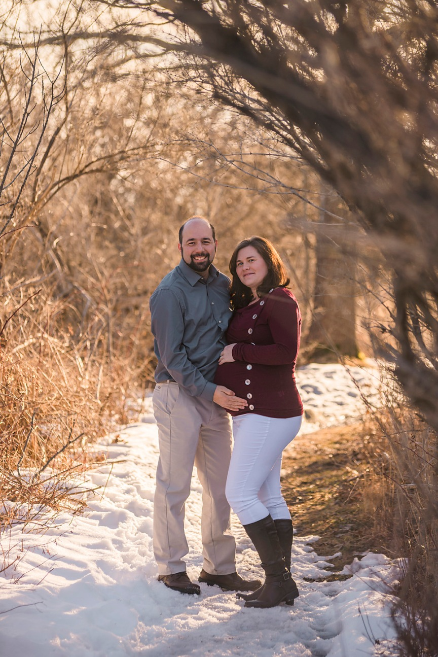 natural maternity winter photography maine pregnancy