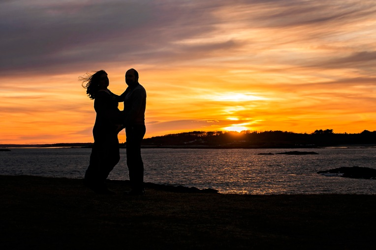 natural maternity winter photography maine pregnancy ocean sunset coast