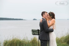 maine wedding photographer, first kiss, freeport maine, maine wedding, ocean
