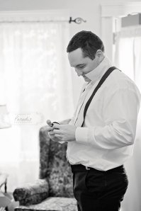 Guys Getting Ready | Paradis Photography