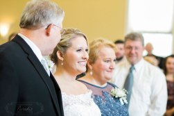 Bride with her parents | Paradis Photography