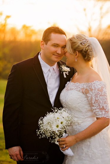 Bride and Groom at Sunset | Paradis Photography